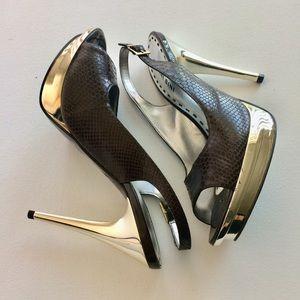 Gianni Bini Shoes - Gianni Bini Gold Snakeskin Platform Heels Size 8.5